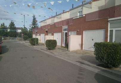 Casa adosada en calle calle El Justicia de Aragón, nº 11