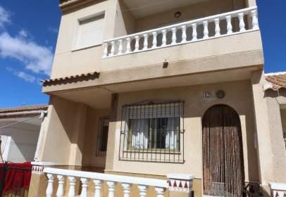 Casa adossada a calle del Cabo de San Antonio