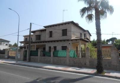 Casa unifamiliar a Carretera de Madrid