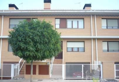Casa adossada a calle calle La Badina
