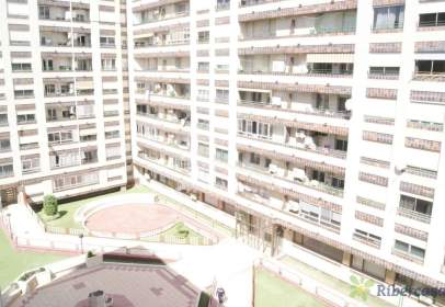 Flat in calle Paseo Pamplona