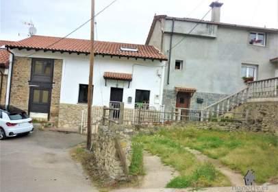 Casa adossada a Manzaneda
