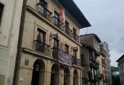 Duplex in Plaza de Herriko