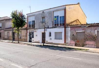 Pis a Carretera de Madrid, 35