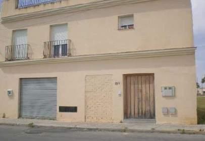 Local comercial a calle Alunada, nº 81