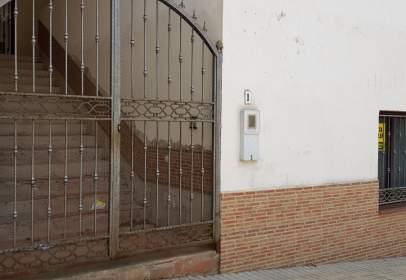 Casa en calle Calara Campoamor, nº 1