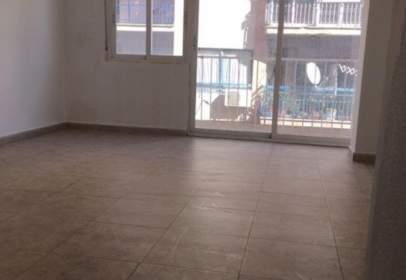Apartamento en calle Ramon y Cajal
