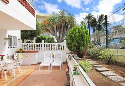 Apartament a calle Los Jazmines, 11