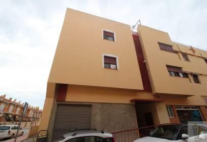 Flat in calle Poetisa Eladia Bautista Patier