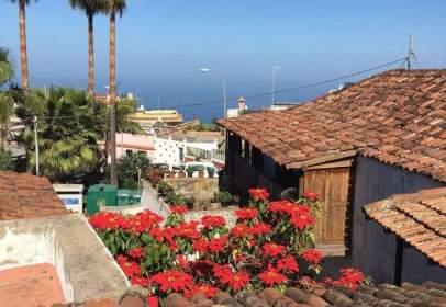 House in calle El Vinculo