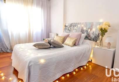 Apartment in Carrer del Pintor Togores, nº 42