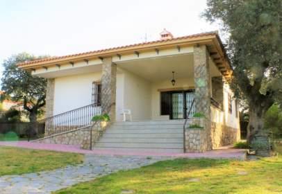 Casa a Casa en Alquiler en  Casar de Cáceres, Cáceres