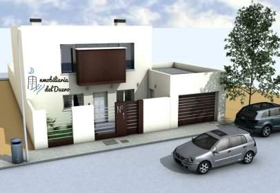 Casa adossada a calle Francisco de Quevedo