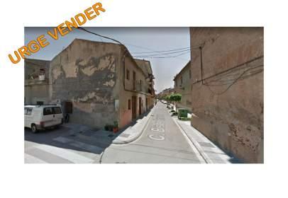 Casa a calle del Obispo Cervera, 3, prop de Carrer del Ejército Español