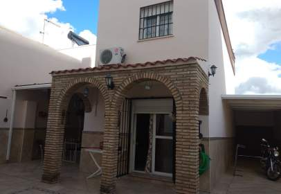 Casa en calle Andres Segovia