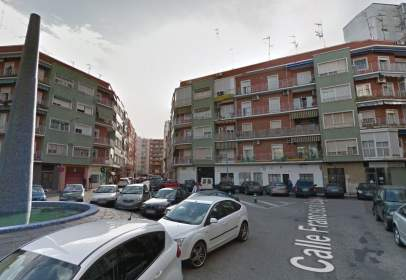 Garatge a calle de Héroes de Cascorro