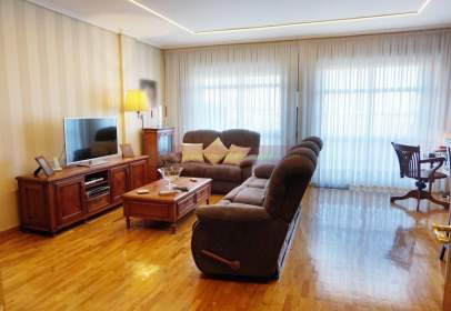 Single-family house in Avda. Madrid