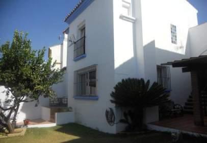 Casa adosada en Torreguadiaro