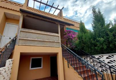 Terraced house in calle Vicente Fuentes I Ramon, nº 2