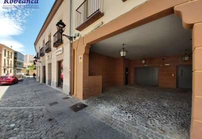 Garatge a Plaza de Ejército, 5