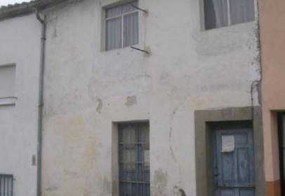Casa en calle Arriba, nº 26