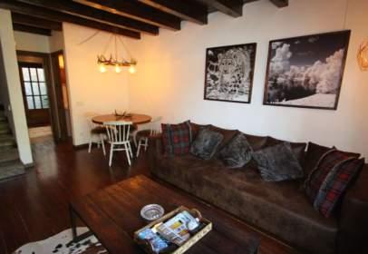 House in Urbanització de Santa Gemma, 13