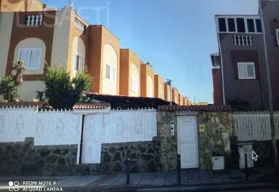 Casa en C/. Alejandro del Castillo