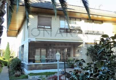 Casa adosada en calle Donostia, nº 23