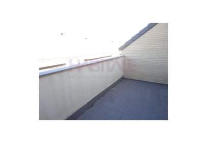 Pisos y apartamentos con piscina en Cuarte De Huerva - pisos.com