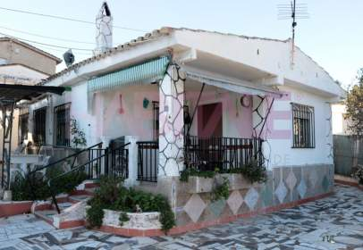 Chalet in calle Neptuno, nº 4