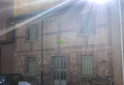 Casa a calle Avenida La Robla