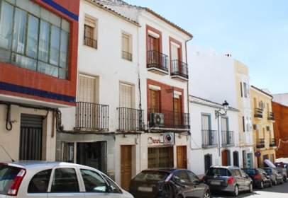 Pis a calle de Ramón y Cajal, nº 14
