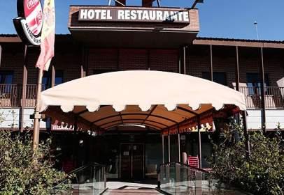 Local comercial en Avenida Camino Alto de los Villares, nº 57