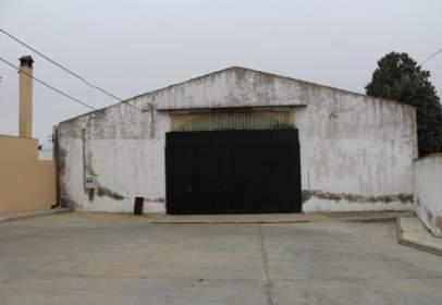 Nau industrial a calle de Ortum Sancho