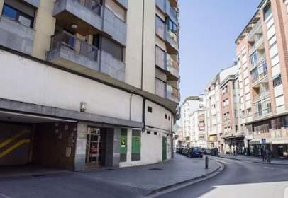 Local comercial en Avenida de Valdés, nº 27
