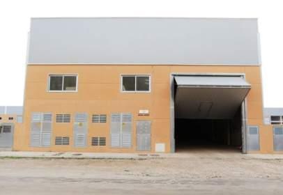 Nau industrial a Carretera Ulldecona