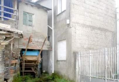 House in calle de Otero Pedrayo, nº 6