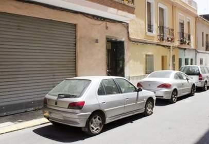 Piso en calle del Poeta Llombart, cerca de Calle de Luis Cendoya