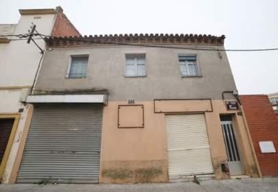 Local comercial en Avenida Penedes -, nº 95