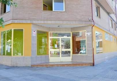 Local comercial en calle Cemba -