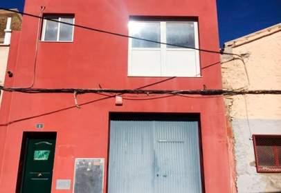Nau industrial a calle Vinaters, nº 1