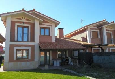 Paired house in Villarcayo de Merindad de Castilla