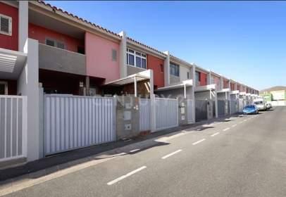 Duplex in calle Roque Aguayro