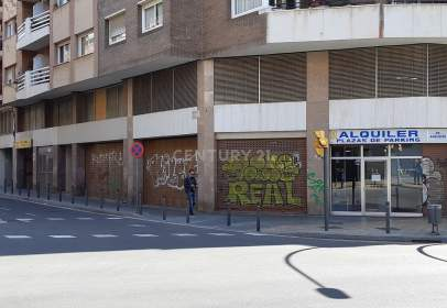 Local comercial en Travessera de Collblanc, cerca de Carrer del Mercader