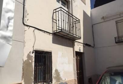 Casa adosada en Bedmar y Garcíez
