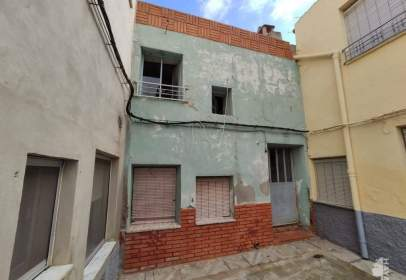 Casa adosada en Montealegre del Castillo