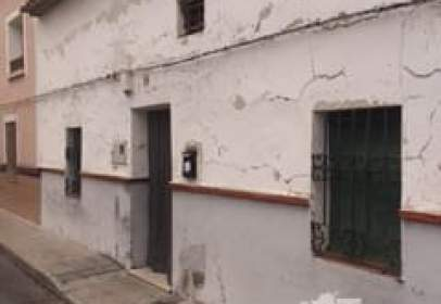 Terraced house in calle San Vicente, nº 18