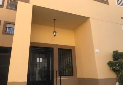 Flat in calle La Ermita