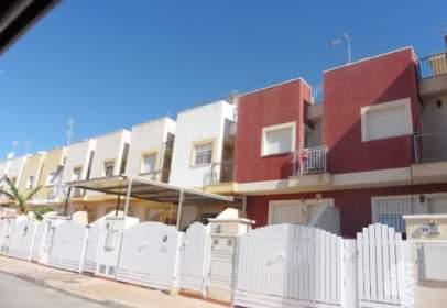 Casa adosada en calle de Valle de Arán, nº 44