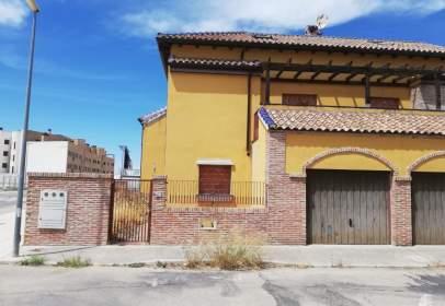 Casa adossada a calle Madrid, nº 34